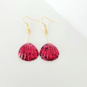 💟🆕️ Handmade Acrylic Bright Pink Seashells